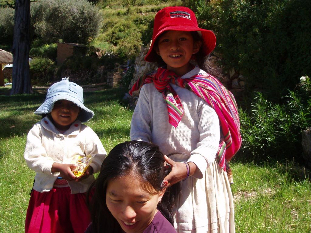 Hair braiding Peru - Amy McPherson