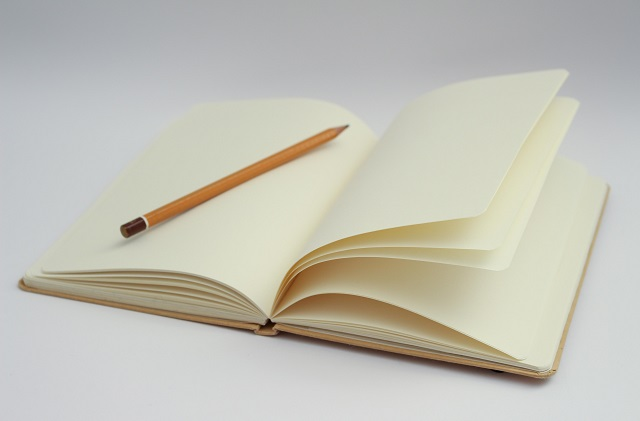 Starting on a blank page is scary, but also a risk worth taking to achieve a dream. (Image source: Morgue File | Credit to: Domas)
